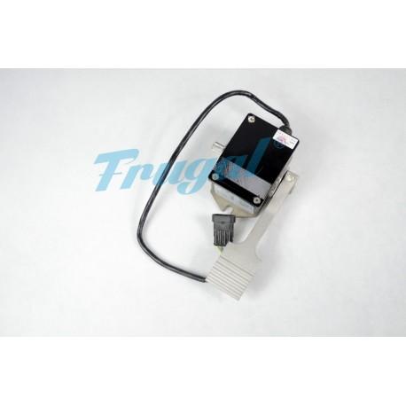 Akcelerator gazu AC (pod kontroler Toyoty)